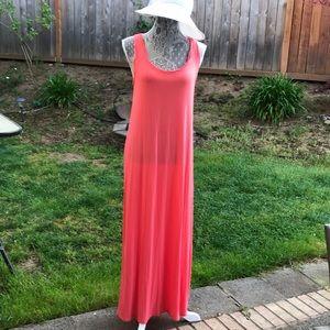 Super cute coral maxi dress sz M